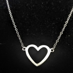 Jewelry - Vintage Sterling Silver heart necklace
